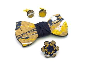 papillon legno Gigetto farfallino action painting schizzi vernice bianco giallo blu gemelli fiore occhiello