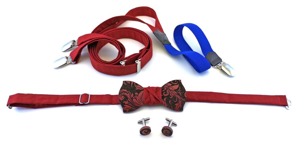 papillon e gemelli in legno wenge con bretelle in stoffa Gigetto floreale barocco rosso e blu personalizzabile