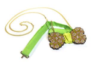 papillon legno gigetto fiori collana spilla
