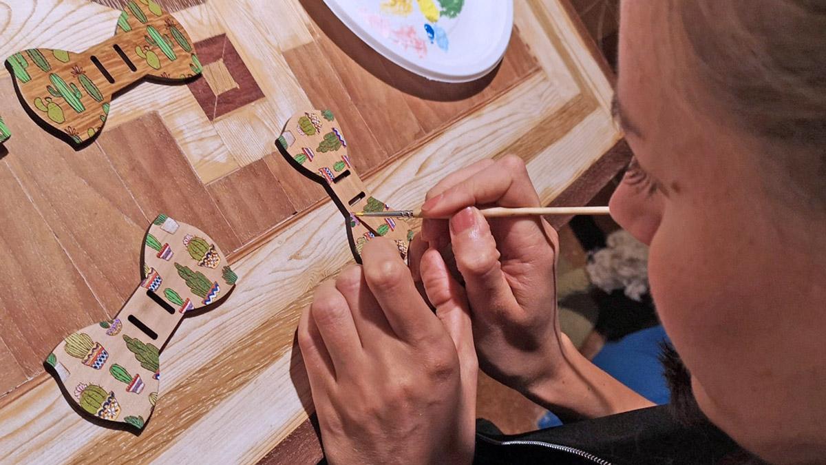 papillon cactus legno dipinto a mano gigetto